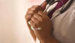 Female-doctor-hands